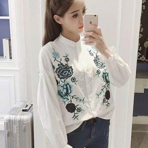 เสื้อแฟชั่นคอจีนแขนยาว แต่งด้ายปักลายดอกไม้ ปลายแขนแต่งยางยืด